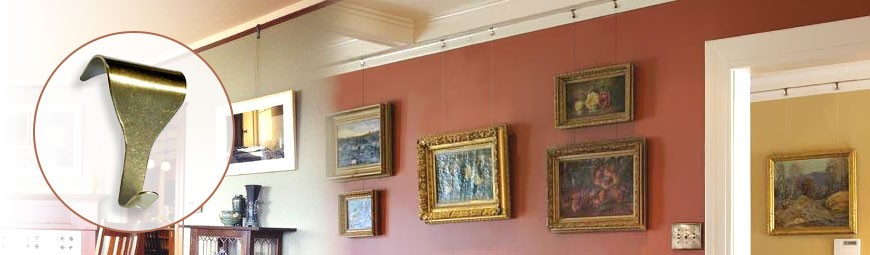 Victorian Moulding Picture Hanging